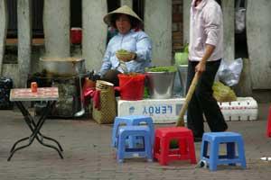 Vietnam_Street-Food-2